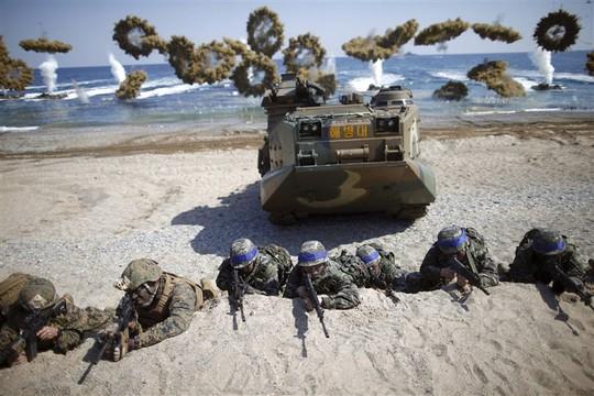 Hết kiên nhẫn với Triều Tiên, Mỹ ngừng đóng băng tập trận với Hàn Quốc - Ảnh 1.