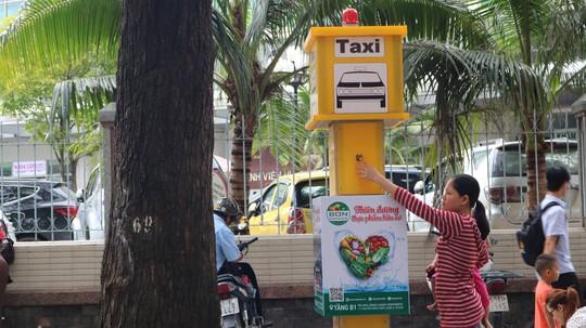 TP HCM: Chỉ cần bấm nút là taxi đến rước! - Ảnh 2.