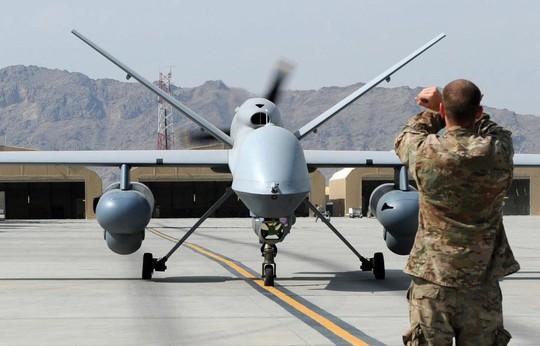 Hiểm họa khủng bố từ robot bay (*): Cuộc đua drone vũ trang - Ảnh 1.