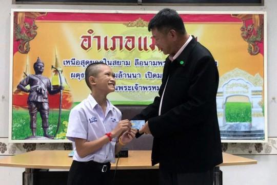 Thái Lan: 4 thành viên đội bóng mắc kẹt được cấp quốc tịch - Ảnh 1.
