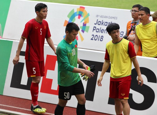 Olympic Việt Nam chia tay trong tiếc nuối, CĐV thẫn thờ - Ảnh 3.