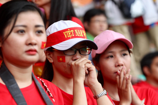 Olympic Việt Nam chia tay trong tiếc nuối, CĐV thẫn thờ - Ảnh 8.