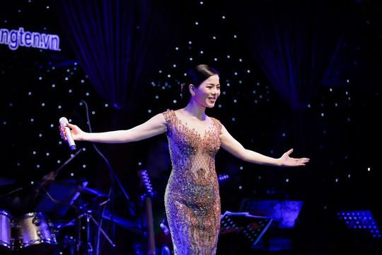 Hai đêm Tình nghệ sĩ quyên góp được gần 1,8 tỉ để giúp Mai Phương, Lê Bình - Ảnh 1.