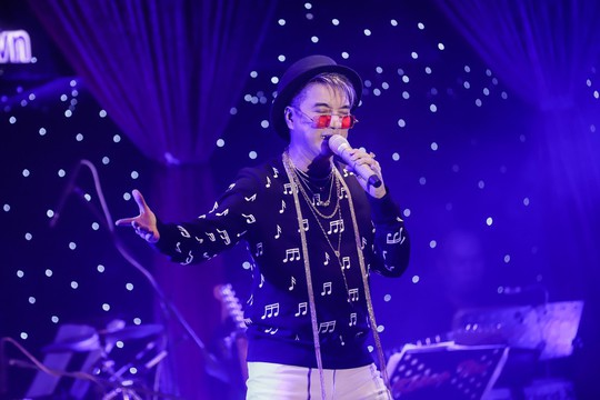Hai đêm Tình nghệ sĩ quyên góp được gần 1,8 tỉ để giúp Mai Phương, Lê Bình - Ảnh 2.