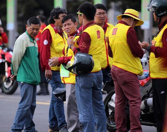 Tước quyền 4 tay đua ngay vạch xuất phát Cúp Tôn Hoa Sen 2018 - Ảnh 1.