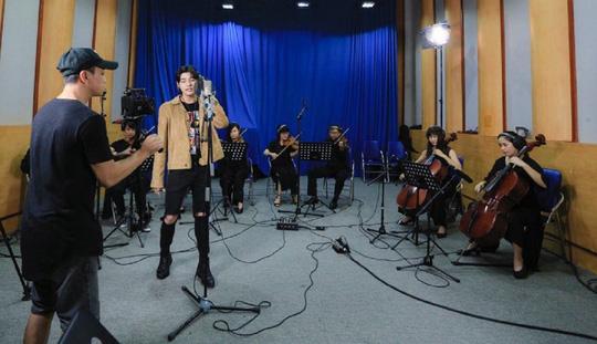Hát với dàn nhạc thể hiện đẳng cấp ca sĩ - Ảnh 2.