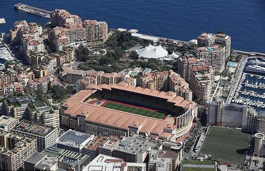Sân bóng được đặt tên HLV tuyển Pháp Didier Deschamps - Ảnh 2.