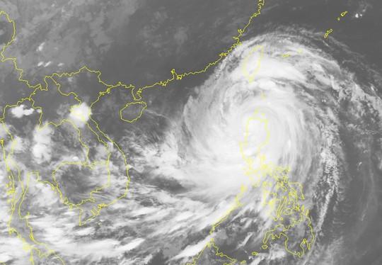 Siêu bão Mangkhut chiều nay vào Biển Đông, thành bão số 6 - Ảnh 2.