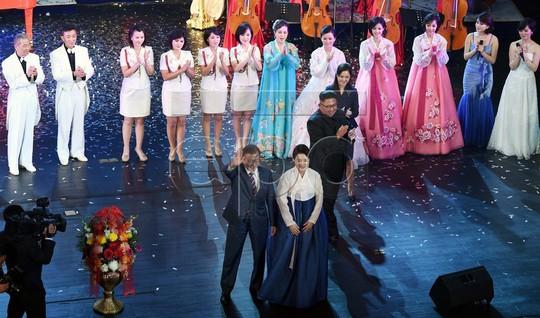 Lãnh đạo Hàn - Triều nâng ly trong bữa tiệc thịnh soạn - Ảnh 10.