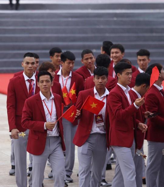 Cuồng nhiệt tôn vinh các tuyển thủ Việt Nam thi đấu hết mình tại ASIAD 2018 - Ảnh 5.