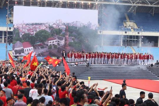 Cuồng nhiệt tôn vinh các tuyển thủ Việt Nam thi đấu hết mình tại ASIAD 2018 - Ảnh 4.