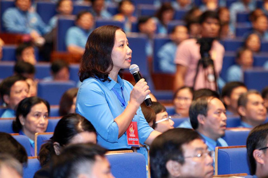 Thủ tướng Nguyễn Xuân Phúc gặp gỡ đại biểu dự Đại hội XII Công đoàn Việt Nam - Ảnh 3.