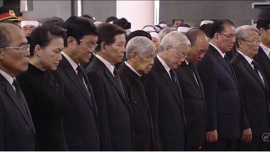 Lãnh đạo Đảng, Nhà nước viếng Chủ tịch nước Trần Đại Quang - Ảnh 2.