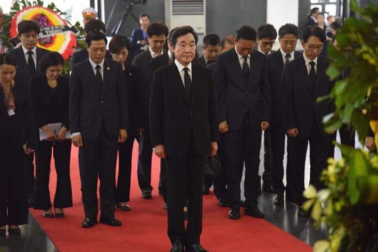 Thủ tướng Hun Sen đến Hà Nội viếng Chủ tịch nước Trần Đại Quang - Ảnh 3.