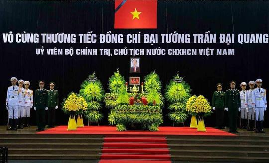 Hàng ngàn người tiễn đưa Chủ tịch nước Trần Đại Quang về nơi an nghỉ cuối cùng - Ảnh 1.
