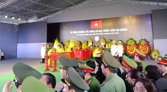 Chủ tịch nước Trần Đại Quang đã về với đất mẹ quê hương - Ảnh 6.