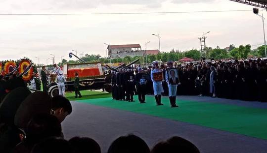Chủ tịch nước Trần Đại Quang đã về với đất mẹ quê hương - Ảnh 2.