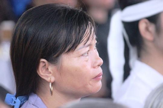 Người dân quê nhà rơi lệ xem Lễ truy điệu Chủ tịch nước Trần Đại Quang - Ảnh 19.