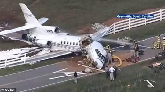 Trượt đường băng, máy bay gãy đôi, cả 2 phi công thiệt mạng - Ảnh 5.