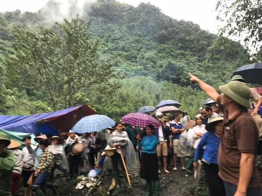Yên Bái: Mâu thuẫn trong khai thác đá, người dân giữ 1 cán bộ huyện - Ảnh 1.
