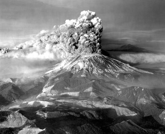 Vết sẹo trái đất mở cổng địa ngục dưới siêu núi lửa - Ảnh 4.