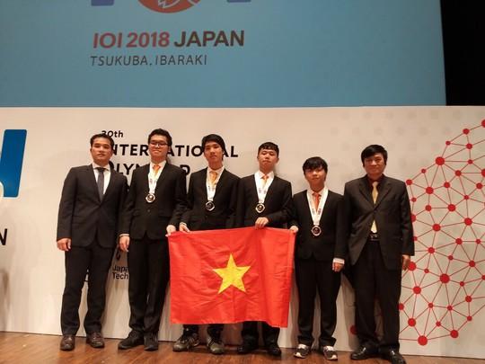 Việt Nam xuất sắc giành 4 huy chương tại Olympic Tin học quốc tế - Ảnh 2.
