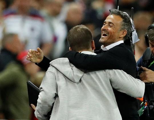 Sao Man United định đoạt số phận, Anh thua sốc Tây Ban Nha - Ảnh 2.