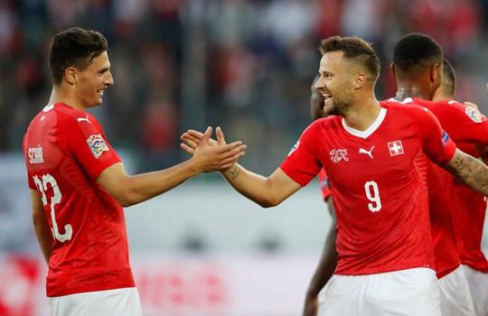 Sao Man United định đoạt số phận, Anh thua sốc Tây Ban Nha - Ảnh 9.