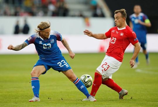 Sao Man United định đoạt số phận, Anh thua sốc Tây Ban Nha - Ảnh 8.