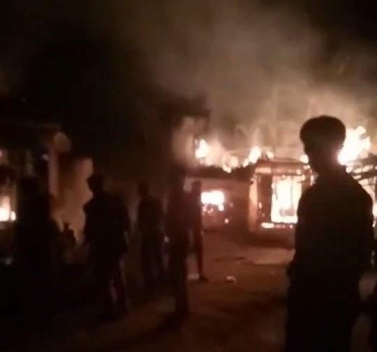 """Rượu say sau trận đấu của U23 Việt Nam, """"nghịch tử"""" đốt nhà bố mẹ - Ảnh 1."""