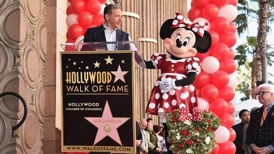 Sau 90 năm chờ đợi, bạn gái chuột Mickey được nhận sao - Ảnh 3.