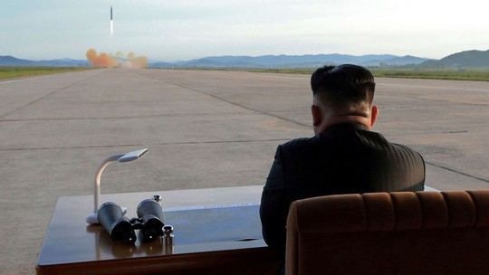 Thừa nhận Triều Tiên để ứng phó - Ảnh 1.