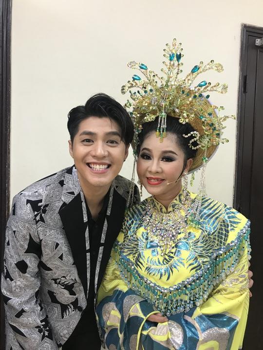 Noo Phước Thịnh mê đắm Câu thơ yên ngựa trên sân khấu Mai Vàng - Ảnh 3.