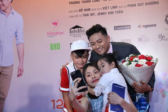 Sao Việt tụ hội chúc mừng cha con Quý Bình - Ảnh 4.