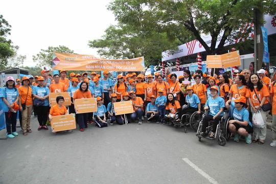 Choáng ngợp với 8.000 VĐV ở Giải Marathon TP HCM 2018 - ảnh 4
