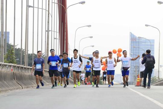Choáng ngợp với 8.000 VĐV ở Giải Marathon TP HCM 2018 - ảnh 13