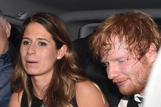 Ca sĩ Ed Sheeran thông báo đính hôn - Ảnh 1.