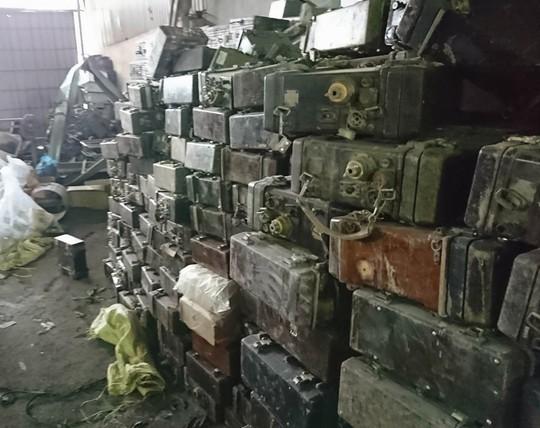 Bắc Ninh: Phát hiện thêm 1 kho hàng lạ nghi là đạn nằm gần vụ nổ - Ảnh 1.