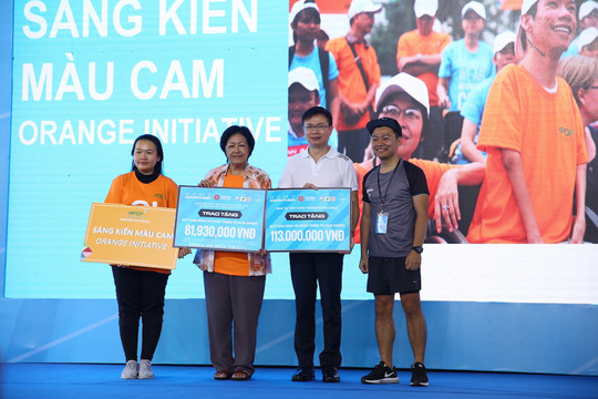 Choáng ngợp với 8.000 VĐV ở Giải Marathon TP HCM 2018 - ảnh 17