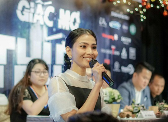 Trương Thị May tái xuất màn ảnh rộng bằng vai ma mị - Ảnh 1.
