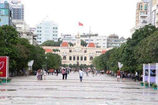 Đường Nguyễn Huệ cấm xe lưu thông tối 13 và 14-1 - Ảnh 1.