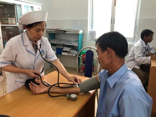 """Bộ trưởng Y tế: """"Nhiều cán bộ khi khám sức khoẻ mới phát hiện mắc bệnh"""" - Ảnh 3."""