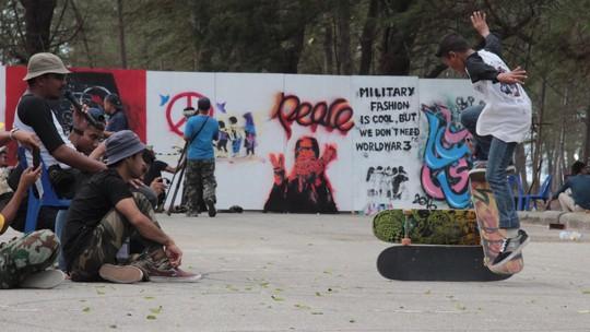 Thái Lan: Chống bạo lực bằng nghệ thuật - Ảnh 1.