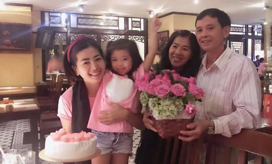 Diễn viên Mai Phương rạng ngời bên người thân trong ngày sinh nhật - Ảnh 4.