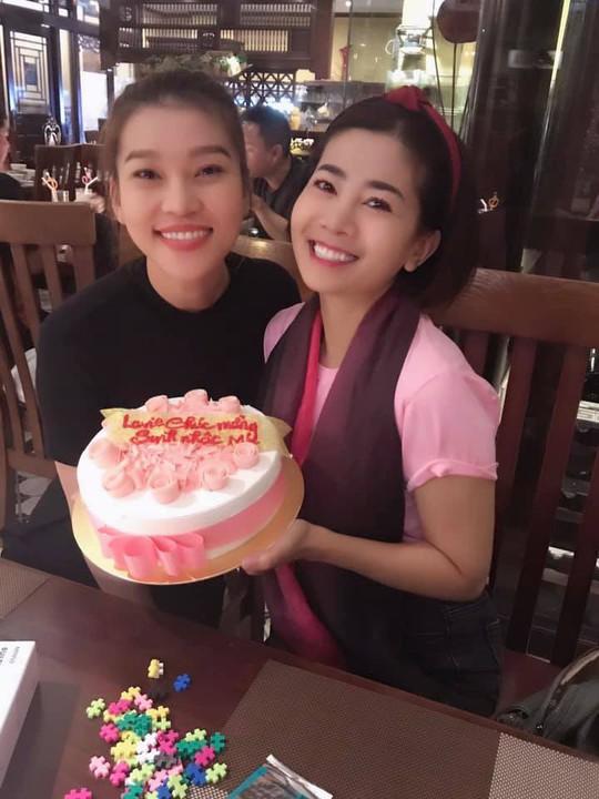 Diễn viên Mai Phương rạng ngời bên người thân trong ngày sinh nhật - Ảnh 5.