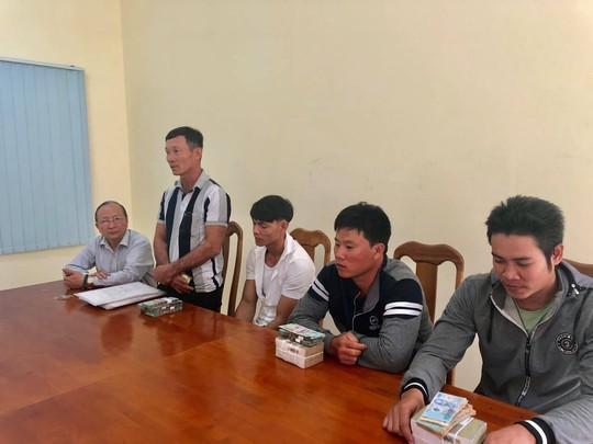 VKSND huyện Bình Chánh bồi thường 820 triệu đồng cho 3 thanh niên bị oan sai - Ảnh 2.