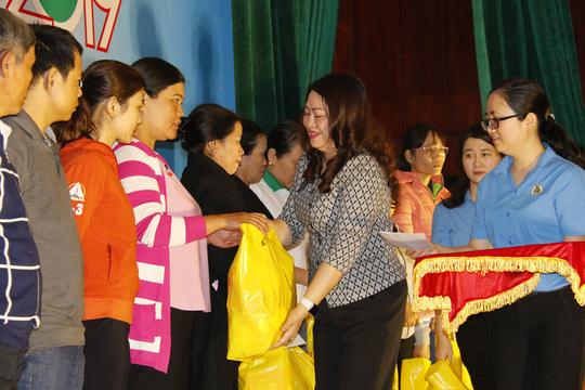 Tết sum vầy ấm áp, hơn 3,5 tỉ đồng đến với công nhân Quảng Nam - Ảnh 3.