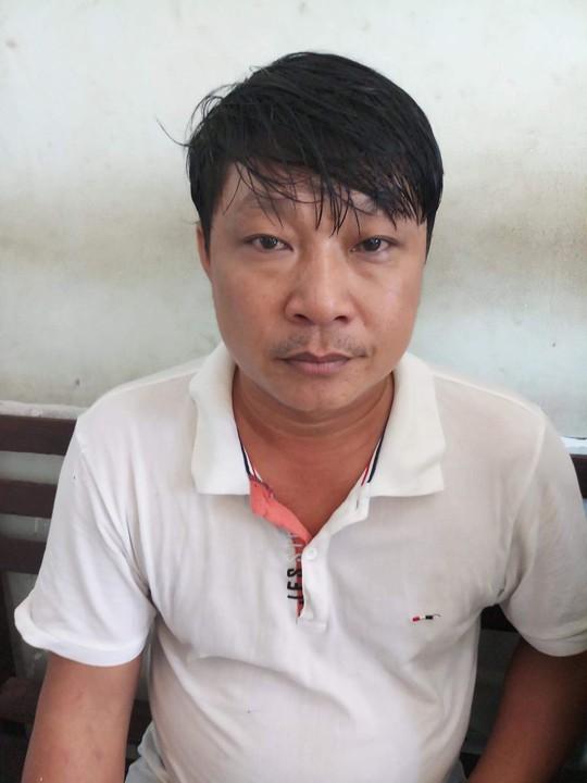 Hơn 100 người làm chuyện phi pháp trong bãi đất trống ở quận Bình Tân - Ảnh 2.