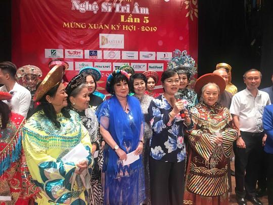 NSND Kim Cương rơi nước mắt trong Chương trình Nghệ sĩ tri âm - Ảnh 7.
