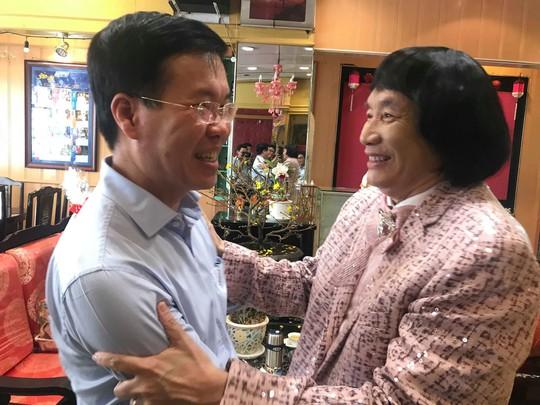 Trưởng Ban Tuyên giáo Trung ương Võ Văn Thưởng chúc Tết NSƯT Minh Vương - Ảnh 3.